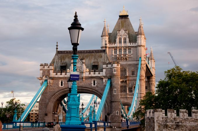 gb_Tower_Bridge_-_London_450