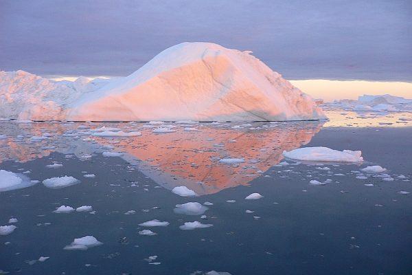 Grönland Kreuzfahrten zeigen Ihnen atemberaubende Naturlandschaften.