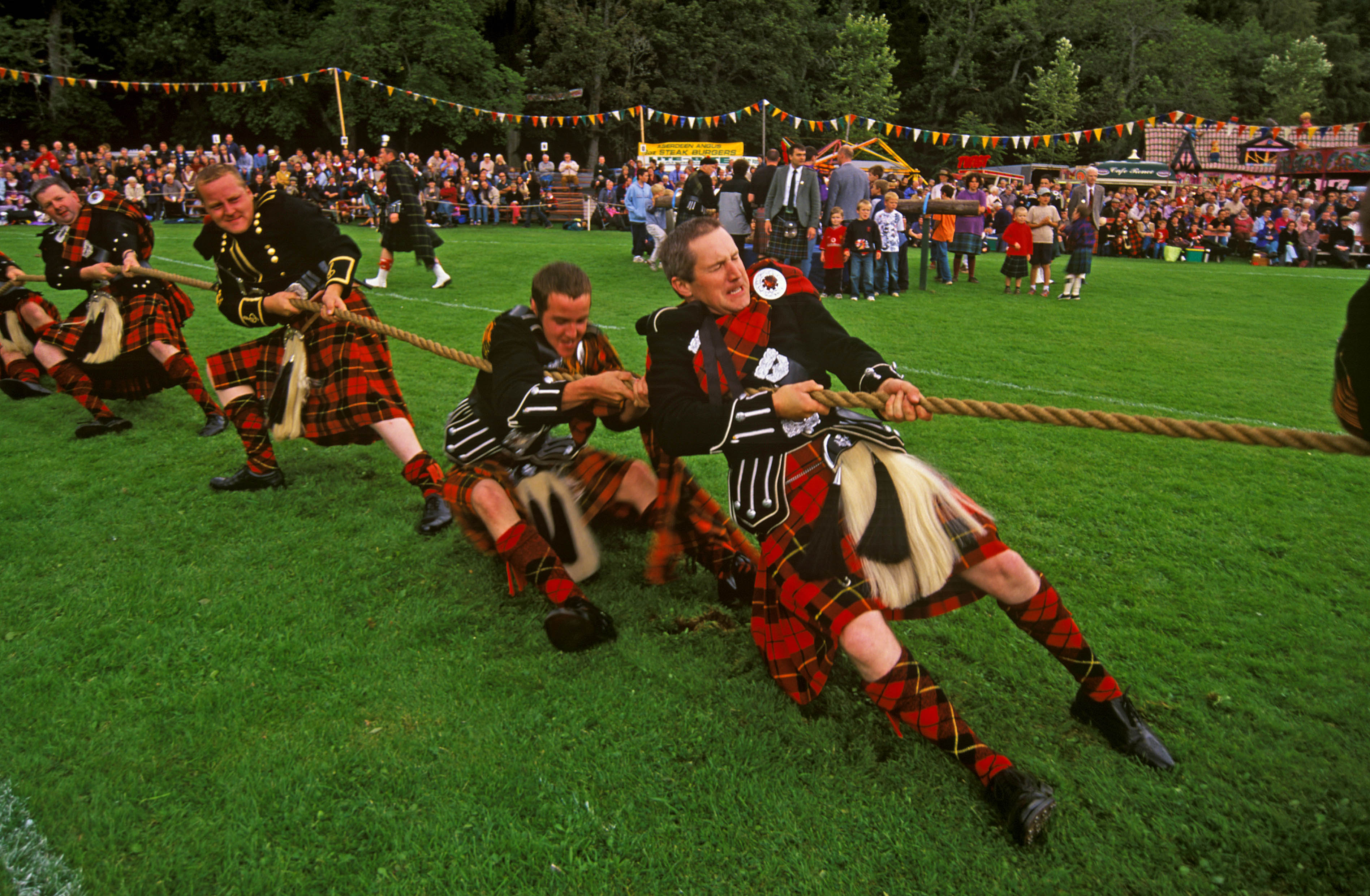 Ways To Get Help With Video Game Addiction scot_Highland-Games1_VisitScotland©Paul-Tomkins